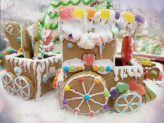 gingerbread train1