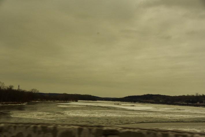 partially frozen river (1024x684)