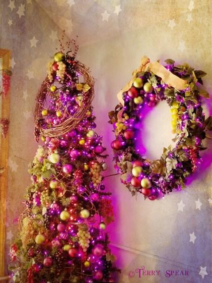 purple grape christmas tree1