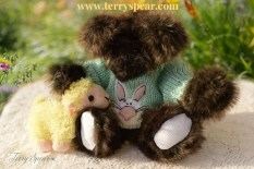 brown bear with Easter sweater and sheep 1000 114