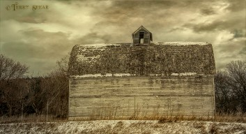 old barn 491 1000 HDR