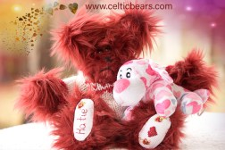 red heart bear 1000 003