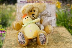 small mohair bears for Easter 1000 011