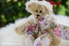 Miss Lily Mohair Bear 1000 016