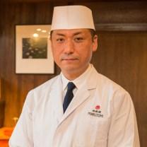 曙橋まる富の料理長の写真