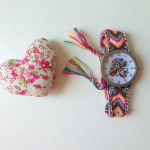 flores-que-vuelan-orologio-teschio
