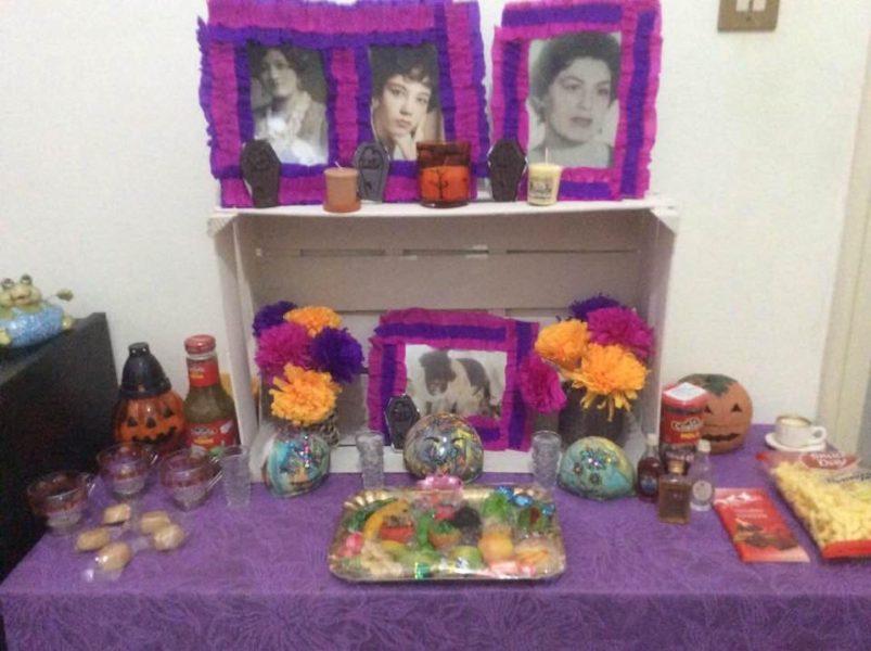 altares-de-muertos-en-los-hogares-de-la-red-mariana-rojo