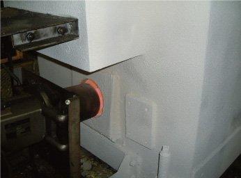 加硫機の外壁にSE600Sをローラー、刷毛塗。