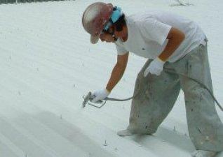 ●作業性に優れています ハケ、ローラー、スプレーなどの作業が容易です。