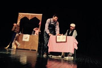 """Nis nga Mitrovica shfaqja e një """"Mejhane""""-je të dramës kosovare në pasluftë"""