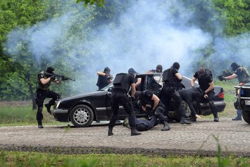 Beogradi tregon arsenalin e pasur ushtarak përpara fqinjëve