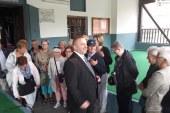 Elbasan: si u shpjegohet turistëve bashkëjetesa fetare nga një musliman (video)