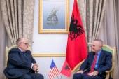 Njeriu i Trump në Shqipëri për Novruz: Rud Xhuliani takon Ramën dhe Metën