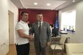 """Turqit, premtim për """"rindërtimin"""" e Kalasë së Ali Pashës në Tepelenë"""