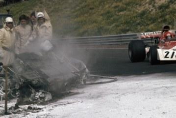 """Tragjedia në """"Formula 1"""" 45 vjet më parë: vdekja e britanikut Roger Williamson (video)"""