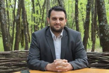 Nga Fidan MUSTAFA: Kënd po e pengon identiteti shqiptar në tekstet arsimore në Kosovë?