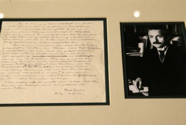 Shitet në ankand një letër e rrallë e Ajnshtajnit: paralajmëroi tmerret e nazistëve