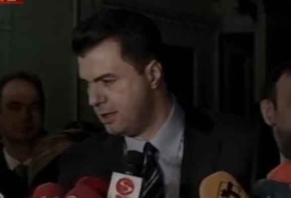 Seanca për dekretimin e ministrave të rinj, gjuha e Bashës shkon në ekstrem. Po pse?