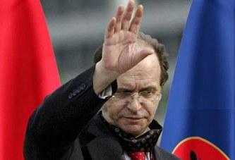 """Ish-presidenti Rugova """"hyn"""" në debatin mbi kufijtë: ishte apo jo pro korrigjimit?"""