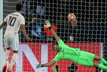 """VAR i """"hap varrin"""" PSG: United-i i """"rilindur"""" e nxjerr jashtë Champions-it"""