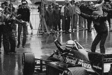 """FORMULA 1/ 34 vjet më parë: kur legjenda Ayrton Senna u quajt """"njeriu i shiut"""" (video)"""