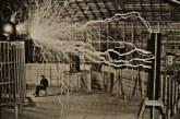 Gjeniu i dritës: 10 fakte interesante mbi Nikola Tesla-n, që nga lindja në errësirë
