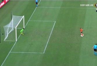 Njihuni me penalltinë më budallaqe por dhe më fantastike në historinë e futbollit (video)