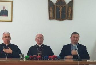 """Kriza, Kisha i """"bie këmbanës"""" për politikën: për hir të Zotit, duajeni Shqipërinë!"""