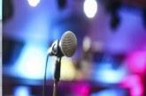 Pse u ndalua muzika gjatë verës në masat anti-COVID? Vjen shpjegimi shkencor i ministrit Klosi