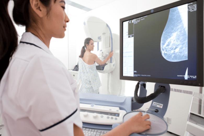 Entenda a importância do exame de mamografia