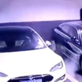 Tesla enquête sur une vidéo de la Model S garée en train d'exploser à Shanghai