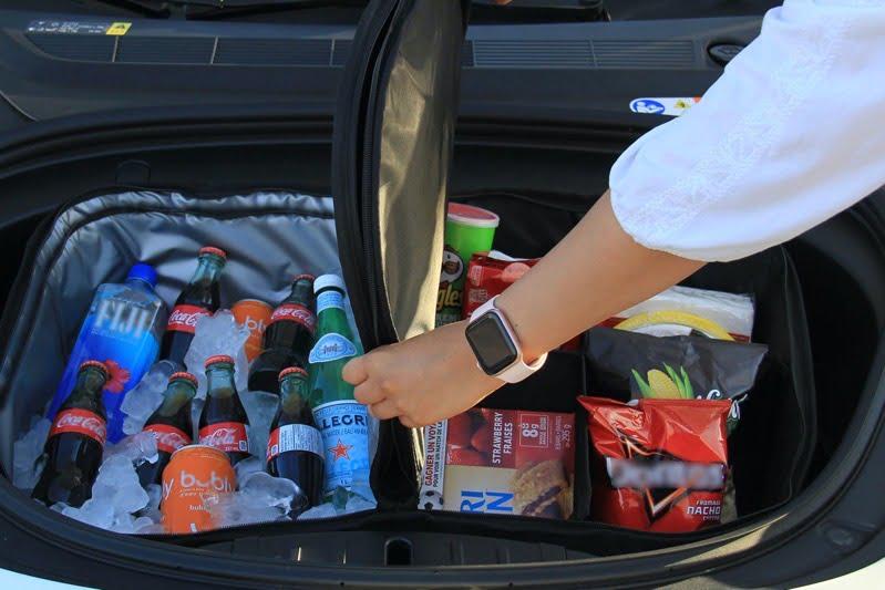 Model3 frunk cooler bag in use info14