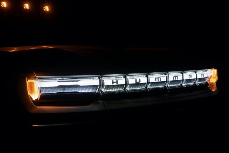 2022 GMC HUMMER EV 010