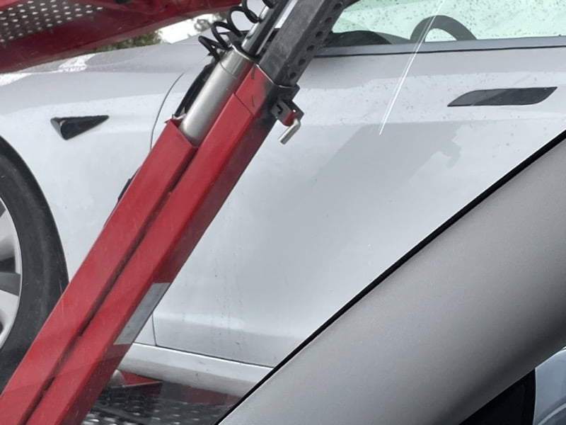 Tesla model s refresh no yoke