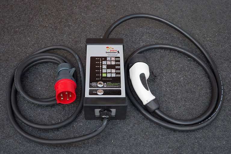 Tesla model S portable EV charger 5m.UK 3 pin plug.Charge your electric car.