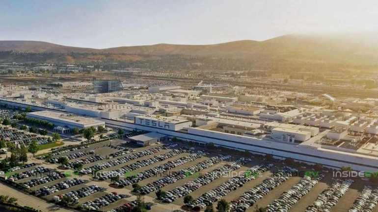 Tesla может вновь открыть фабрику Fremont, когда губернатор Калифорнии снимает с производства