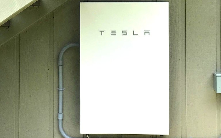 Tesla Energy идет ва-банк на солнечной с бесплатным Powerwall в новой реферальной программе