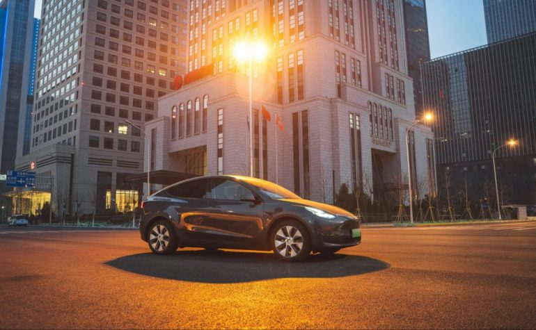 Акции Tesla (TSLA) готовы к скачку после отчетности за первый квартал: Уолл-стрит