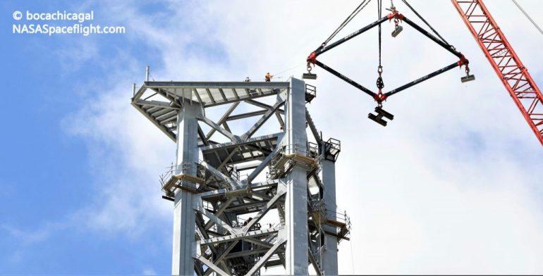 SpaceX почти готова начать превращать стартовую башню Starship в «Мехазиллу»
