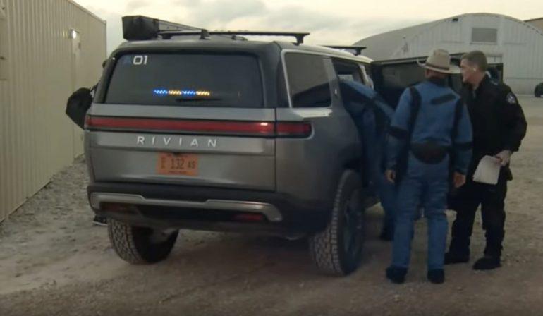 Rivian R1S доставит пассажиров на первый рейс Blue Origin с человеком
