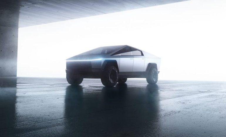 Tesla перейдет на бета-версию Cybertruck в конце этого года