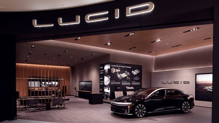 Lucid Motors, недавно получившая листинг в $ LCID, открывает первый розничный магазин на юго-западе США.