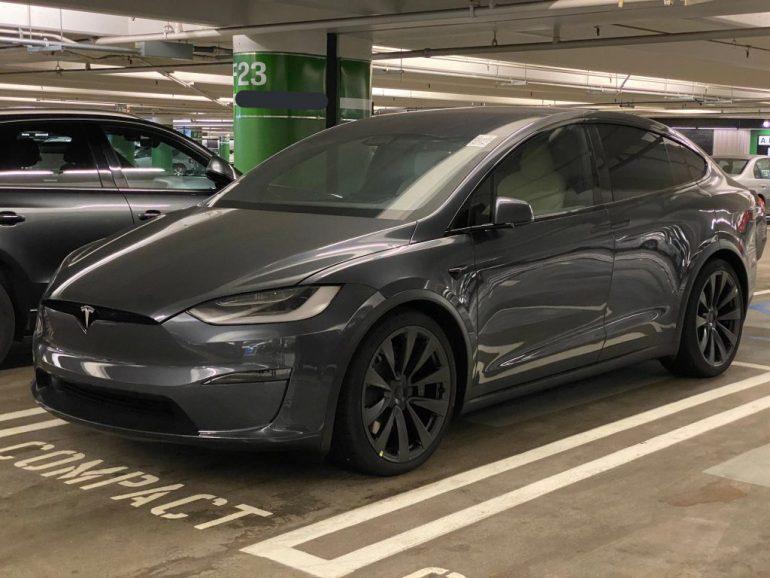 Ближайшие к производству Tesla Model X Plaid появляются в США