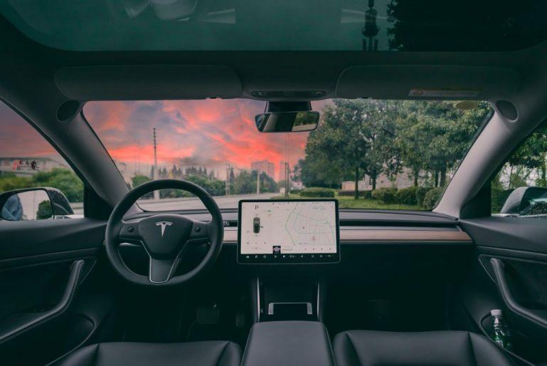 Долгий путь Tesla к зрелости преподает тяжелый урок стартапам в области электромобилей