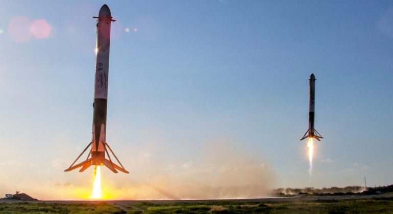 Первый запуск SpaceX Falcon Heavy за два года наконец-то состоится