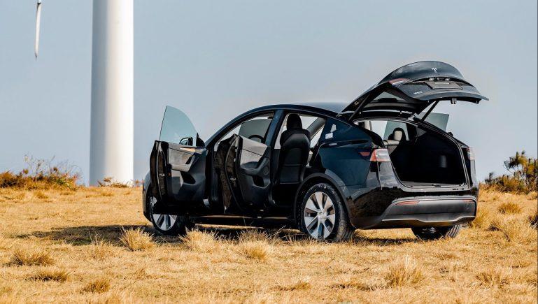 Поставки Tesla Model Y начнутся в Гонконге и Макао в следующем месяце