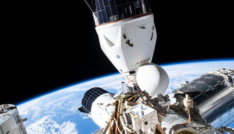 SpaceX Crew Dragon совершит первый облет космической станции в ноябре