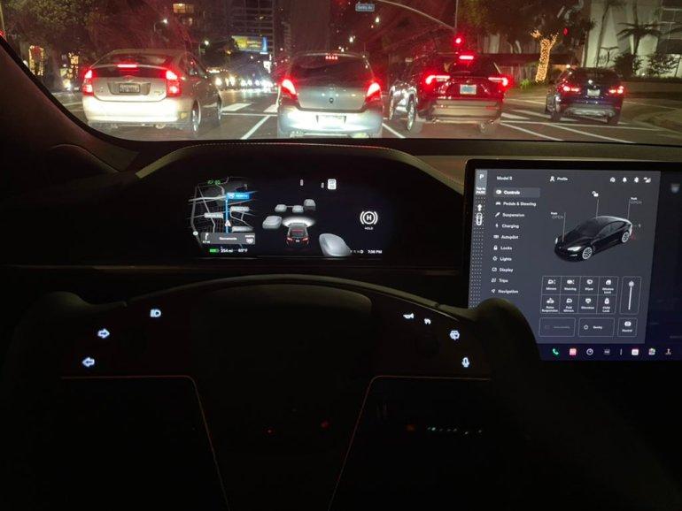Гнев критиков Tesla FSD Beta, цепляющихся за жемчуг, становятся смехотворными