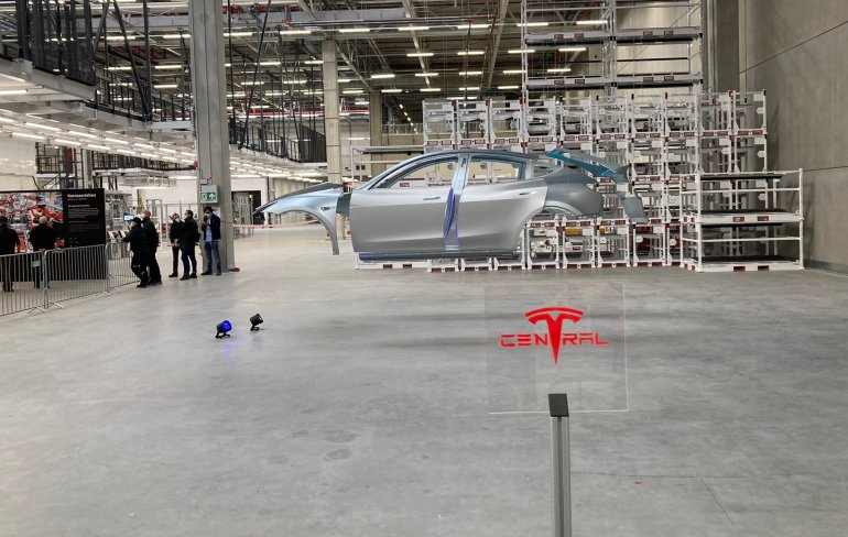 Первая цель Tesla Giga Berlin - производить по одному кузову Model Y каждые 45 секунд.
