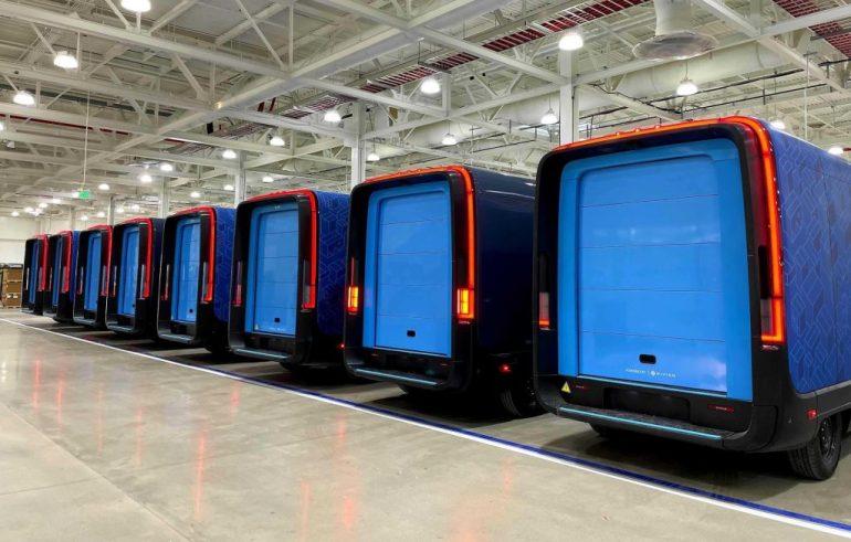 Rivian отдает предпочтение своим фургонам Amazon по сравнению с производством R1T: отчет